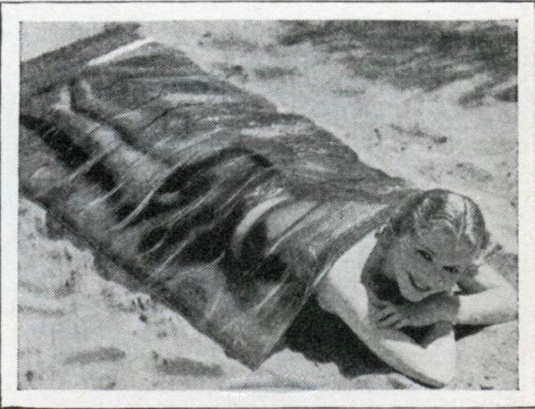 Полиэтиленовое покрывало для дозированного загара, США, 1932 год.