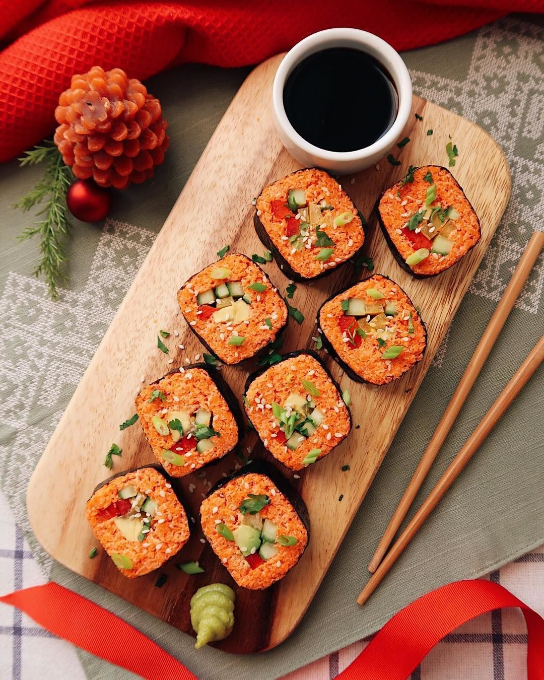 Сыроедческие морковные роллы