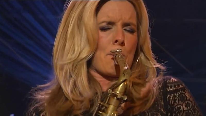 Бесподобная нидерландская саксофонистка и певица Кэнди Далфер