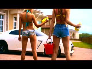 Harun Erkezen feat. Gamze - Calabria. Яркий летний клип (хорошее настроение, красавицы студентки, авто, танец, мойка авто).