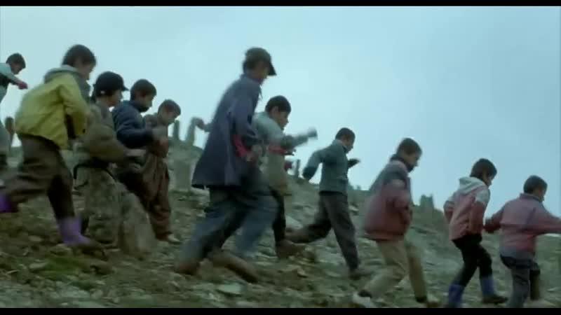 Las tortugas también vuelan - Bahman Ghobadi HD (2004) VOSE
