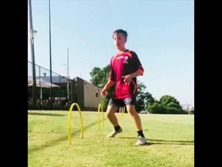 Футбольные упражнения на контроль мяча и технику
