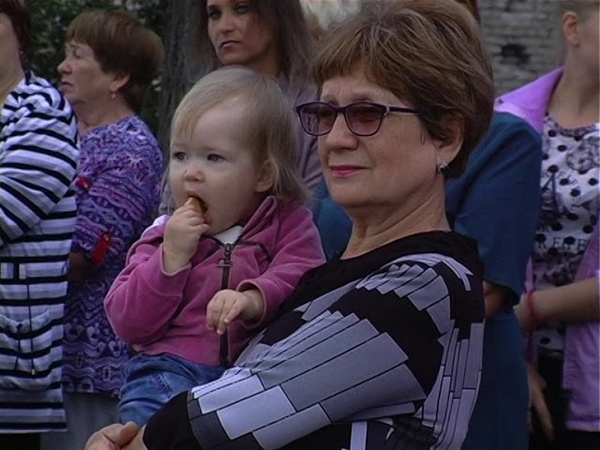 Митинг, посвященный 5 летию освобождения г. Червонопартизанска и Свердловского района от ВСУ
