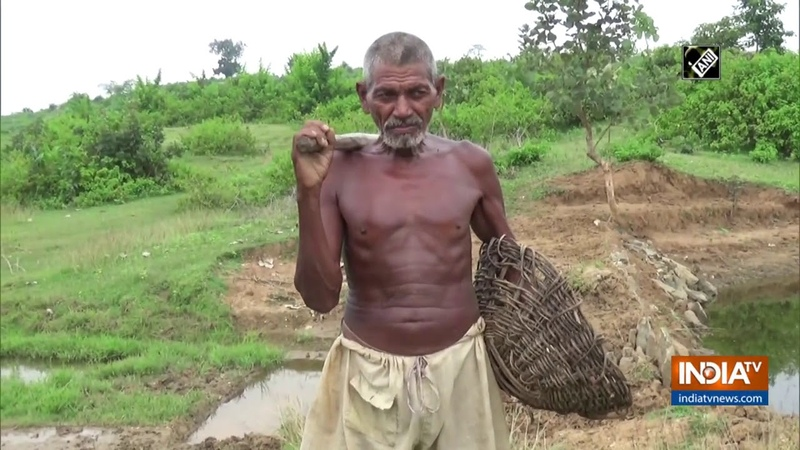 Meet Laungi Bhuiyan a man from Bihar who digs out canal single handedly