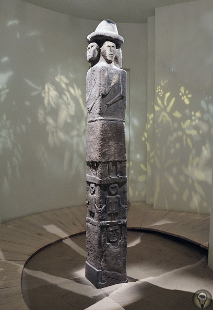 Збручский идол - о странном артефакте, найденном в 19 веке на территории современной Украины За всю историю существования археологии было найдено множество артефактов. И часть из них вызывает