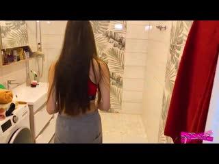 Снялась с парнем в душе стройная девочка порно ебля в ванной