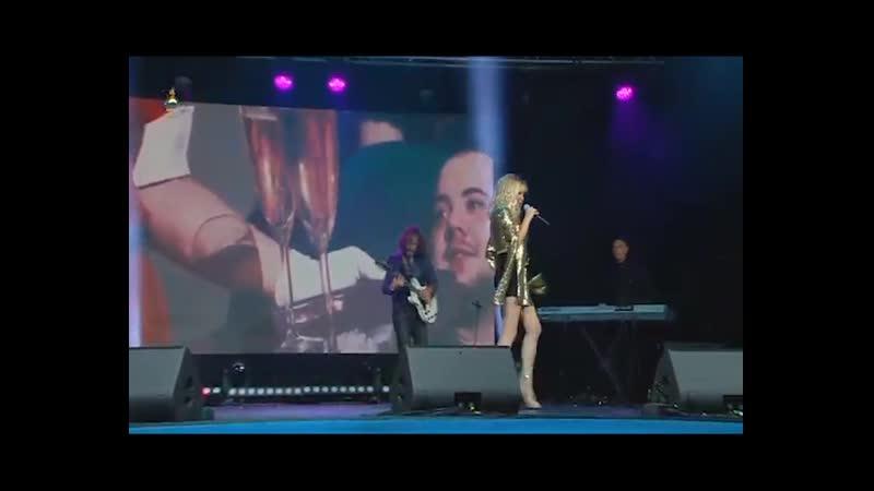 Татьяна Тишинская с песней Фанат ( муз. и сл. Наталья Берег)