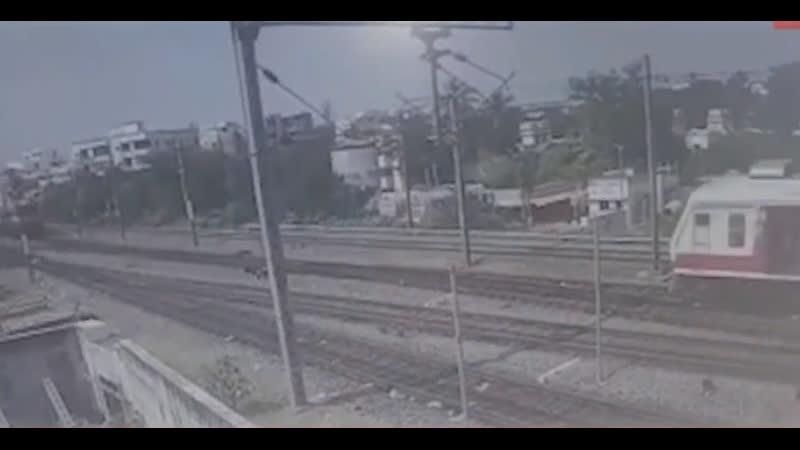 Вчера в Индии столкнулись 2 поезда - более 20 пострадавших, машинист в критическом состоянии