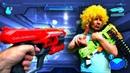 Игры стрелялки онлайн Чей бластер Нерф круче Видео приколы для детей