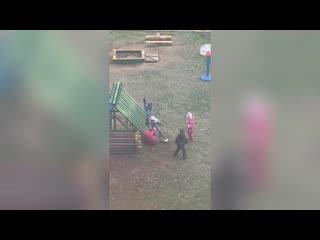 Видео: Шок дети в Ярославле толпой жестоко избили ребенка в садике