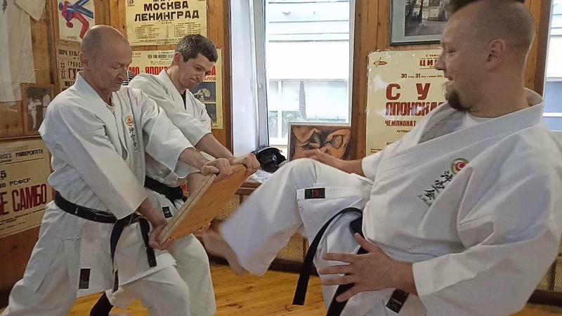 Tameshiwari ita wari sokusen shomen geri Uechi ryu karate Okikukai Russia Sensei Rubin Evgeny