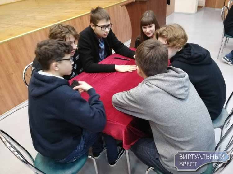 Седьмой раз в ГУО «Средняя школа № 7 г. Бреста» прошел «Брэйн-ринг», посвященный памятиКоролецкого Б.И.
