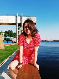 Настя Бабич: Насте Бабич 25 лет
