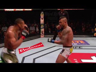 Топ-5 нокаутов Тиаго Сантоса в UFC