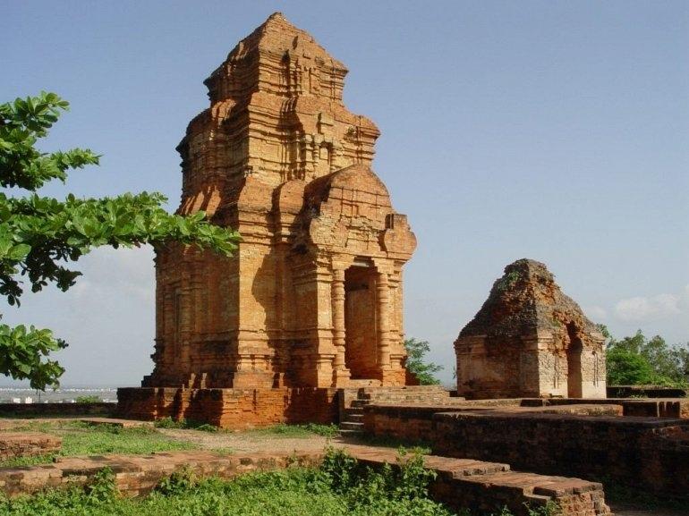 Интересные места нашей планеты Чамские Башни По Шану (Вьетнам), изображение №2
