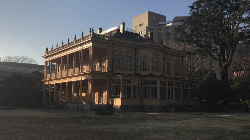 Смотрим достопримечательности Уэно Сады Кю Ивасаки тей Музей Ситамати храм Тосёгу