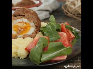 Сегодня на ужин у нас котлеты с яйцом