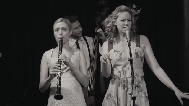 Tu Vuo' Fa' L'Americano - Hetty the Jazzato Band · coub, коуб