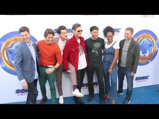 Jim carrey cast premiere of @sonicmovie the hedgehog pose for the picture - - they almost forgot about sonic - - jimcarrey jimca