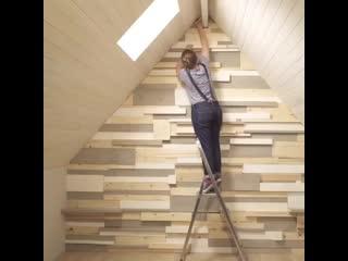Отделка стены деревянными панелями -