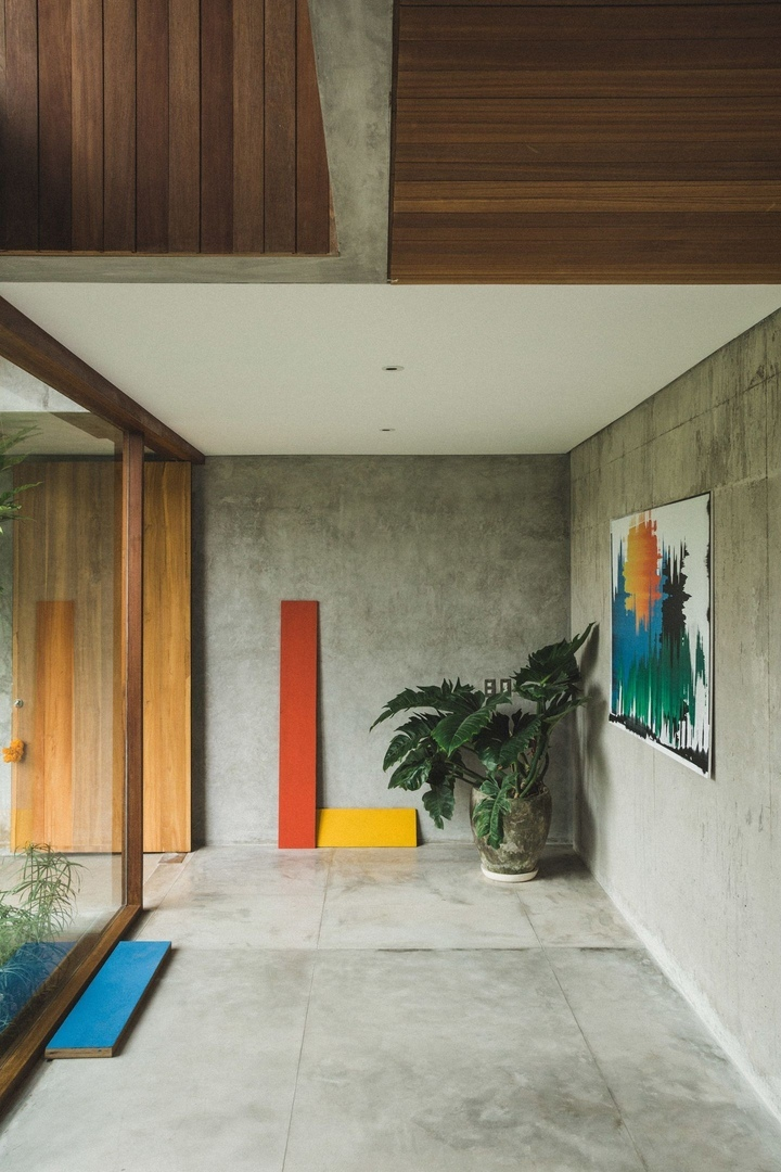 Patisandhika and Daniel Mitchell complete A Brutalist Tropical Home in Bali