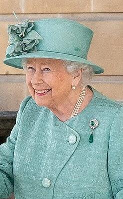 Елизавета II - правящая королева Великобритании и Северной Ирландии.