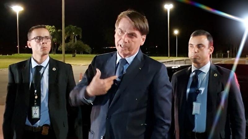 AGORA Bolsonaro diz que recebe João Doria responde jornalistas apoiador não para de falar e mais