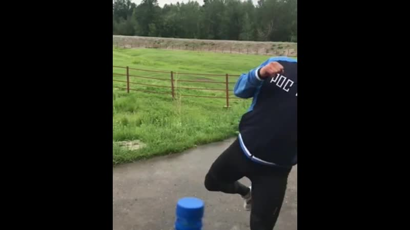 Батыйнын теп турары шын боор. Долганып тургаш ажыттынып тур. Ч.Алиевтин теп турары шуут ажык пробка чорду
