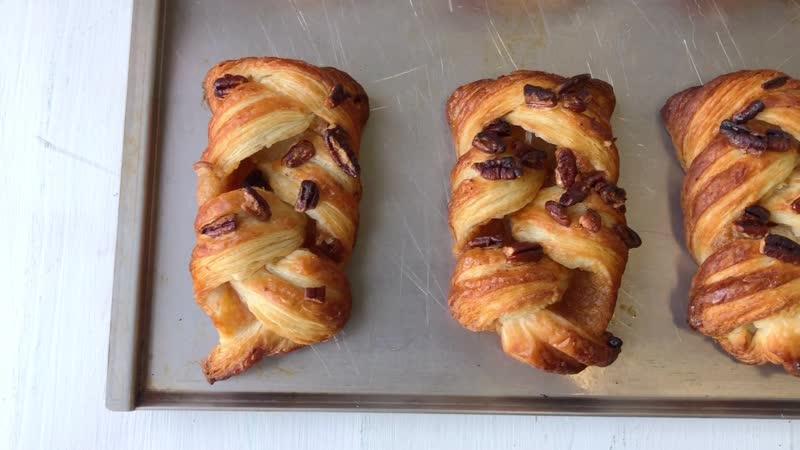 Косичка с орехом пекан и кленовой начинкой для выпекания