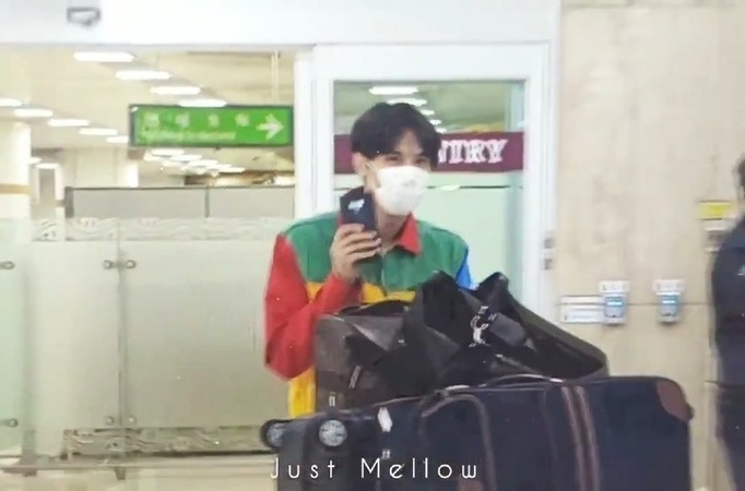 "Ss501 New ✨ on Instagram ""190816 | Video  JungMin arrived to Korea back from Japan ~ ~ 190816 | فيديو جونغ مين يصل الى كوريا عائدًا من اليابان .."""