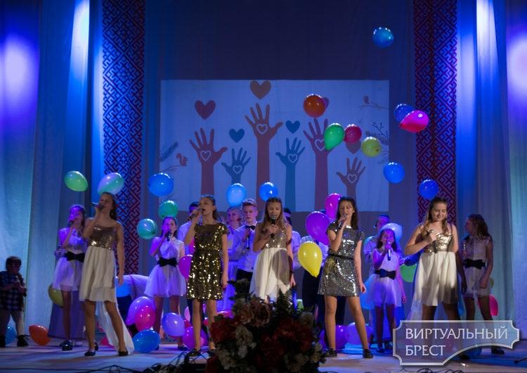 В Жабинке прошел пятый ежегодный инклюзивный фестиваль «Одной планеты дети»