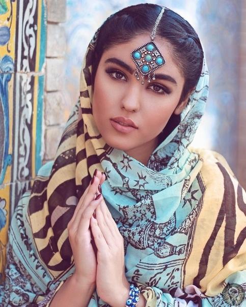 Продолжим развенчивать мифы о женщинах в Иране В Иране женщин принудительно отдают замуж Действительно, традиционно девушки выдаются замуж отцами или официальными опекунами. Хотя это чаще