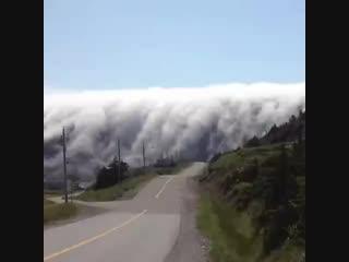 Удивительное явление природы_ облака упали с неба