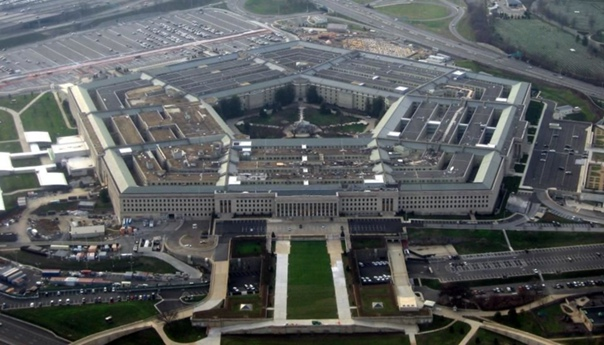 По какой причине в здании Пентагона изначальное количество туалетов превышало необходимое в два раза Если посмотреть голливудские фильмы о Второй Мировой войне, мы увидим, как бок о бок