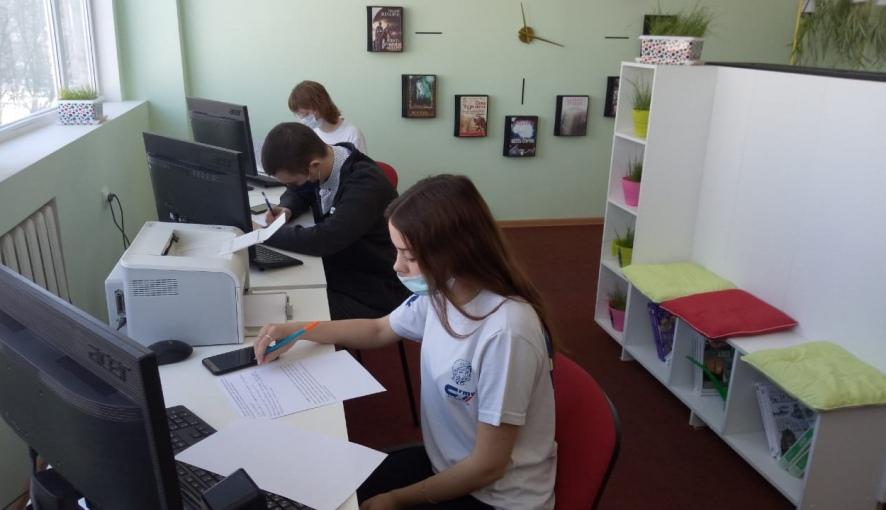 Трое студентов Петровского политеха прошли в финал областной олимпиады по избирательному праву
