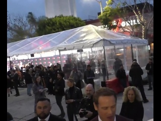 Sam Heughan greets fans outside the Bloodshot premiere at Village Regency Theatre in Westwood (720p)