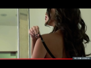 Jerotic - August Ames   The Man with the Golden Gun (16+)