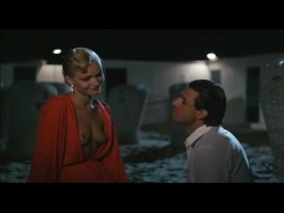 сексуальная сцена из фильма Четвертый мужчина