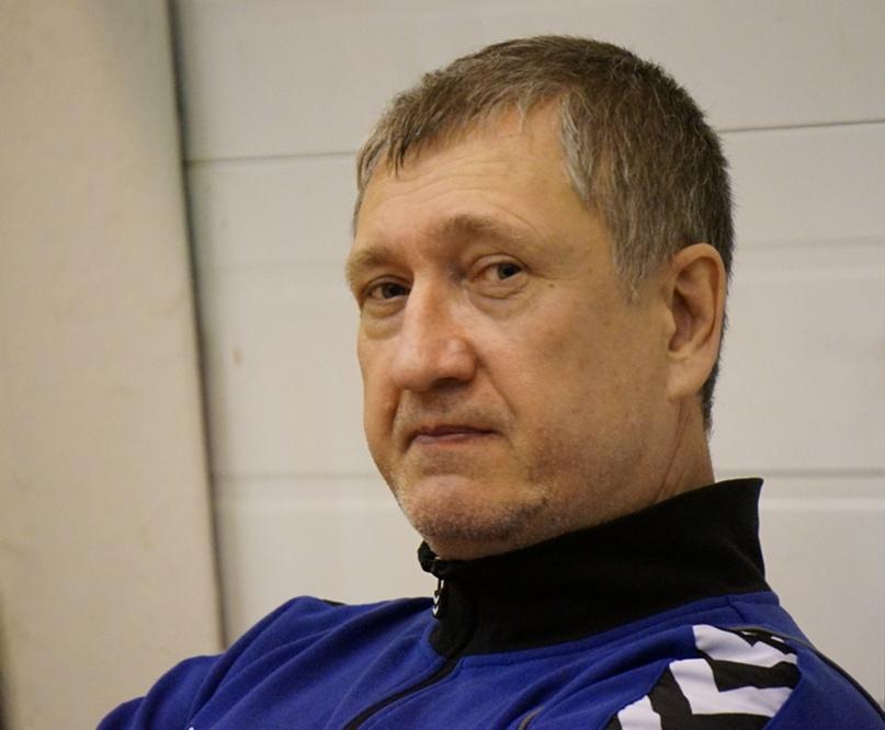 Он учился у Зайцева, Шияна, Максимова и Полонского, играл в Польше и Израиле, а сейчас тренирует на Урале, изображение №1