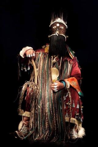 Шаманские костюмы и атрибуты
