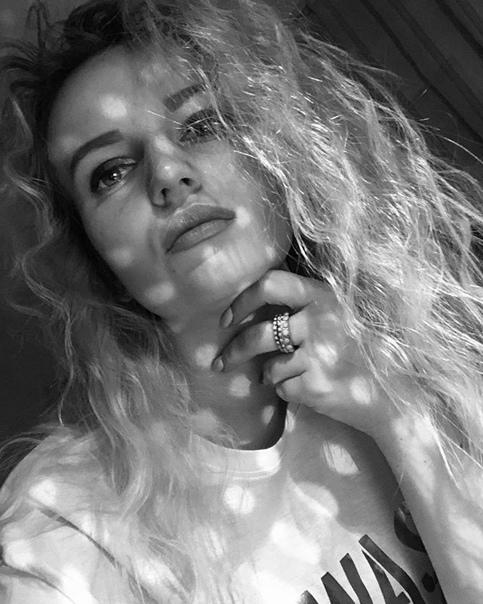 Анюта Иванова: Хотела написать большой жизненный пост, но книга Брюса Кэмерона «Путь домой» забрала все мои мысли себе. Кстати, скоро выйдет фильм, ох, что будет😅 для любителей фильмов по типу «Собачья жизнь», «Хатико» (но не так грустно)🙈