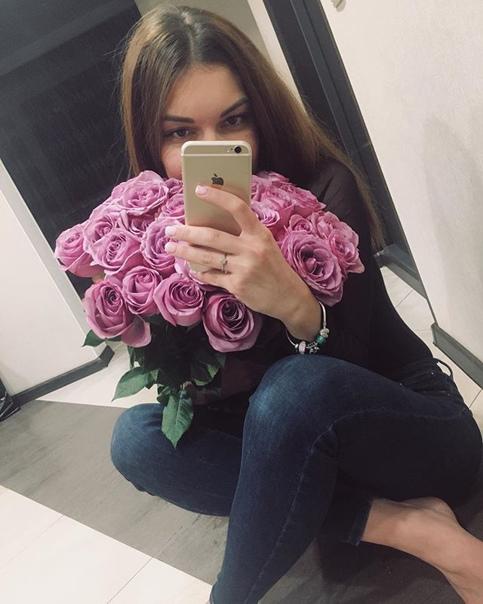Анна Симонова: Самый лучший день рождения,когда он дома 💞Спасибо моей семье и моим девочкам за самые тёплые поздравления🌸
