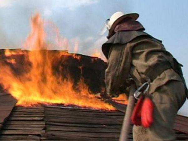 В Азовском районе горело бесхозное строение  Пожар...