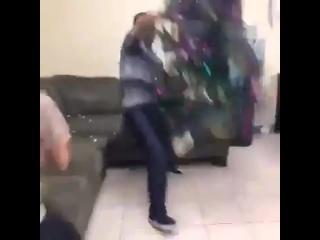 Коли дівчина не дає дивитися Boxing Day