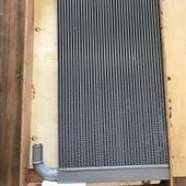 радиатор масленый 4648857 Hitachi