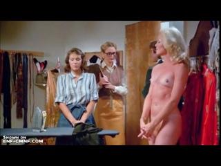 Беззаботный отрывок с CFNF, CMNF и OON из старого фильма – модель помогает своему костюмеру не вляпаться в неприятности