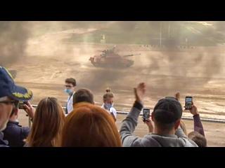 Российские танкисты – победители танкового биатлона