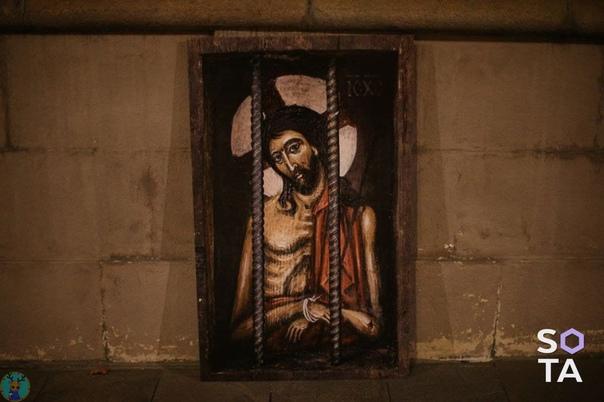 У здания ФСИН появился «Христос в темнице».#Москва...