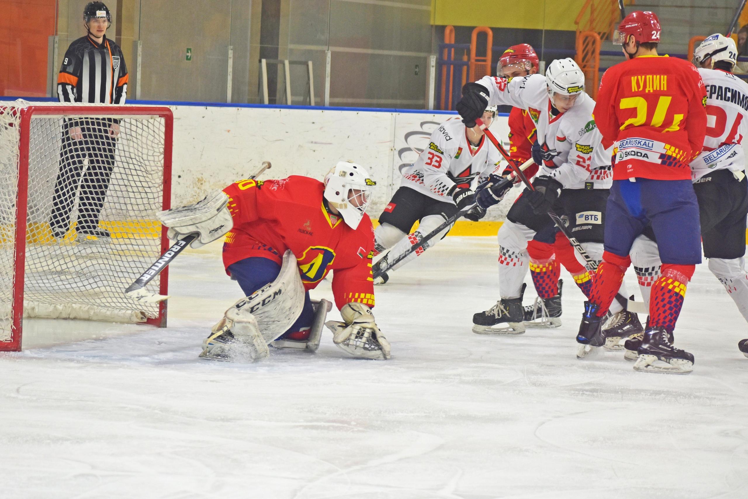Хоккейный клуб «Лида» обыграл барановичский «Авиатор».