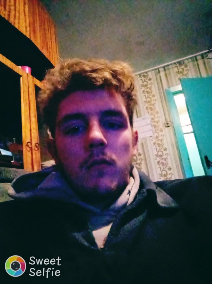 Олег, 19, Aktsyabrski